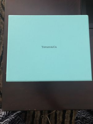 Tiffany & co watch/ jewelry case for Sale in San Diego, CA