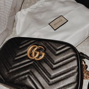 Gucci Camera Shoulder Bag, Color Black for Sale in Irwindale, CA