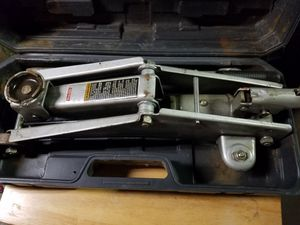 2 TON HUFFY JACK WITH CASE for Sale in Norwalk, CA