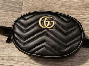 Gucci Women's GG Marmont Leather Belt Bag Black for Sale in Downers Grove, IL