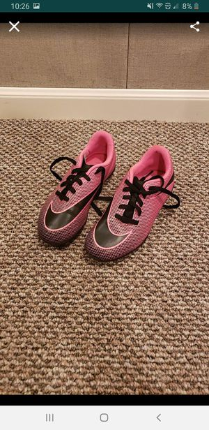 Girls Nike soccer shoes - size 13c for Sale in Dearborn Heights, MI