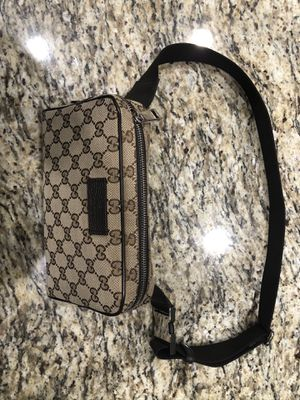 Gucci Fanny Pack/ cross body for Sale in Etiwanda, CA
