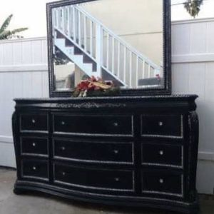 Four Pieces Queen Size Bedroom Set Is Long Dresser,mirror ,nightstand ,bed Frame Brand Cindy Crawford for Sale in San Diego, CA