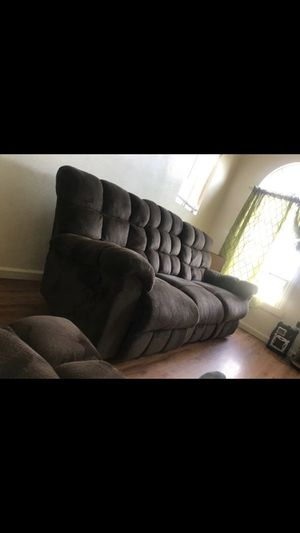 2 chocolate brown recliner for Sale in Los Angeles, CA