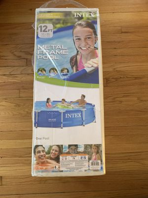 NEW INTEX POOL 12ft x 30IN (Filter not included) for Sale in Wyandotte, MI