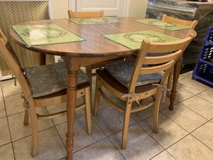 Small kitchen table for Sale in Hazleton, PA