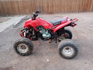 Una moto 250cc gorila estandar nomas le falta pila. La que trae no carga bien. Pero prende bien y tiene titulo for Sale in Chandler, AZ