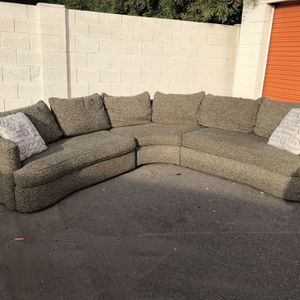 FREE DELIVERY Custom Made Sectional for Sale in Mesa, AZ