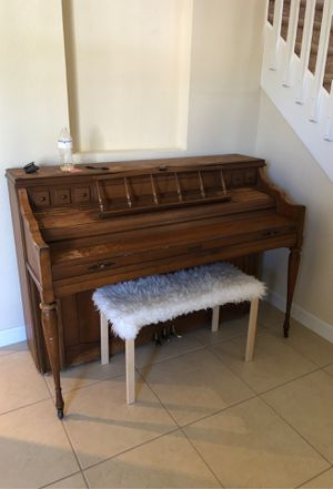 Kimball Upright Piano (MUST GO ASAP!!) for Sale in Miami, FL