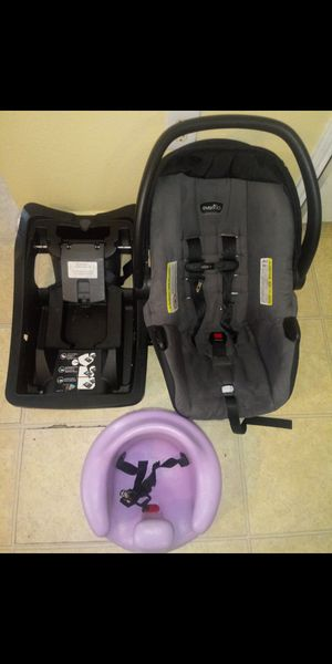 Car seat y bumbo for Sale in Forest Hill, TX