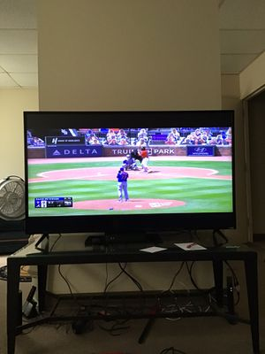 VISIO Smart TV with Smartcast and built in Cromecast. for Sale in Middletown, PA