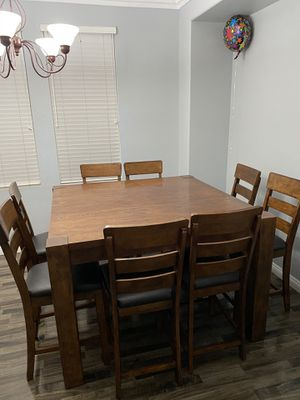High chair dining room table for Sale in Beaumont, CA
