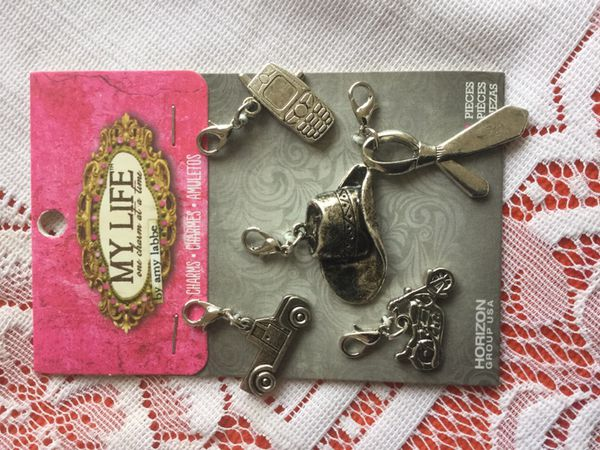 🎭 Arts Crafts 🛍 Charms 5 pieces / NEW accessories come visit !