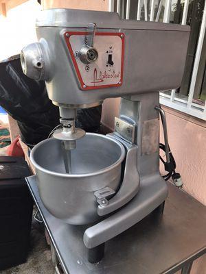 Mixer de 20 quarts x 600$ for Sale in Miami, FL