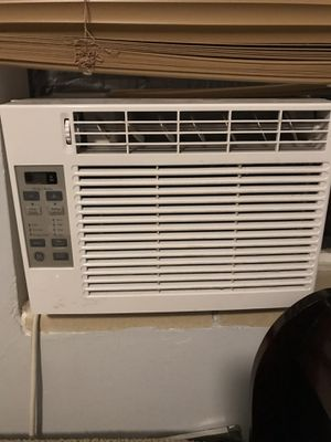 GE APPLIANCES 5000 BTU Window AC Unit for Sale in Aurora, CO