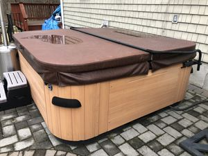 Bullfrog hot tub for Sale in Ossining, NY