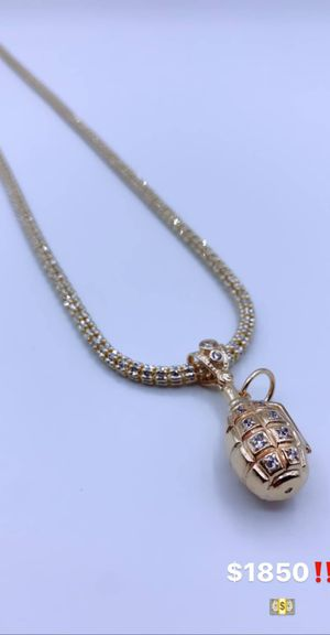 Gold and diamond chains, rings, earrings and rings vvs for Sale in New York, NY