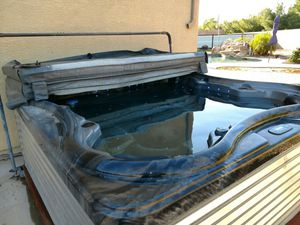 Hot Tub for Sale in Peoria, AZ