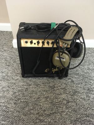 Amplifier and headphones for Sale in Parkville, MD