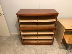 Dresser and Desk for Sale in HOFFMAN EST, IL