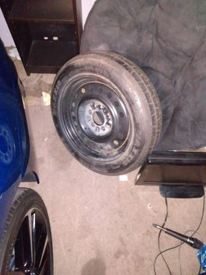 Like new spare tire 5 lug nut 4 Ford ranger Ford explorer Mazda truck 5 lug nut spare tire for Sale in Lincoln, CA