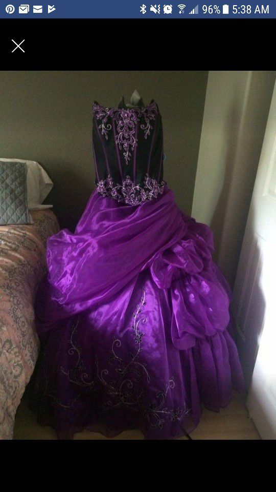 Quinceanera dress, size 10, new