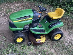 John Deere lawnmower tractor for Sale in Woodbridge, VA