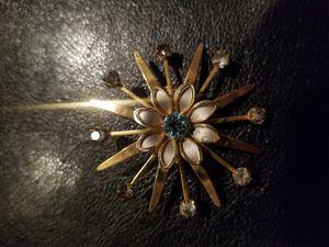 Vintage Brooch for Sale in UNM, NM