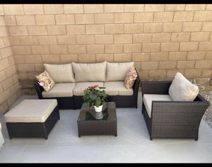 Outdoor patio furniture set for Sale in Burbank, CA