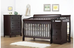 Convertible 4 in 1 Crib for Sale in Fayetteville, GA