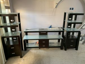 Three-piece Beautiful TV stand for Sale in Nashville, TN