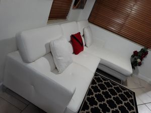 BRAND NEW SECTIONAL LEATHER WHITE. DELIVERY FREE for Sale in HALNDLE BCH, FL