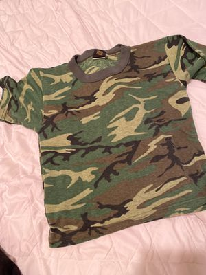 URBAN OUTFITTERS ARMY CAMO SHIRT (S) for Sale in Long Beach, CA