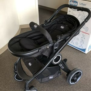 Chicco Urban Car Seat Stroller Combo for Sale in Alvin, TX