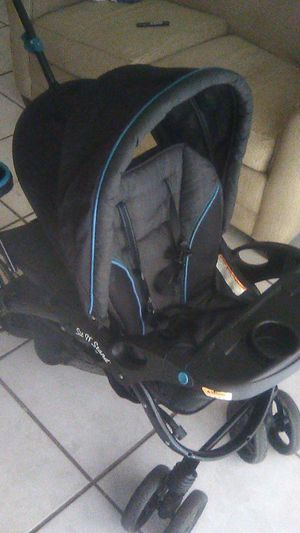 Sit N' Stand double stroller for Sale in Orlando, FL