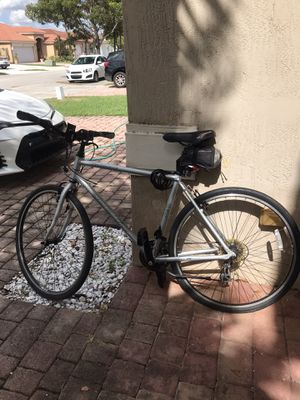 Specialized crossroads hybrid bicycle for Sale in Miami, FL