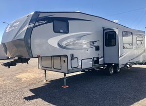 2011 Jayco Eagle 26ft 5th Wheel Trailer Camper for Sale in Mesa, AZ