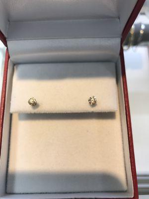 14K STUD DIAMOND EARRINGS for Sale in Phoenix, AZ