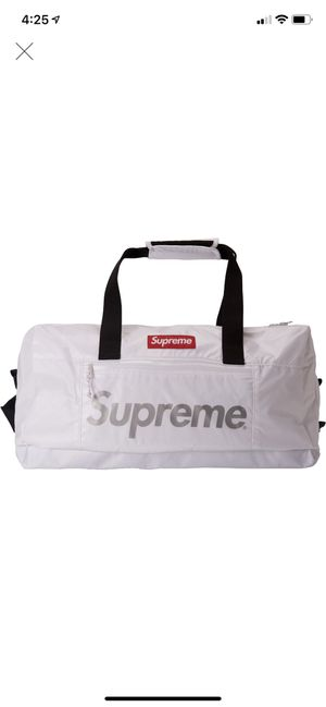 Supreme White Duffle Bag for Sale in Westerville, OH