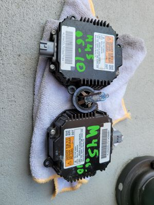 Infiniti m45 2006 2007 2008 2009 2010 headlight module ballast xenon bulb for Sale in Lawndale, CA