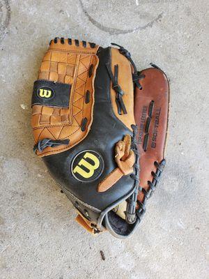 Wilson softball glove. for Sale in Lodi, CA