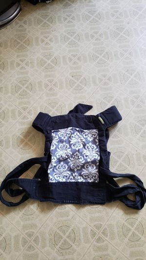 Baby carrier for Sale in Hamilton Township, NJ