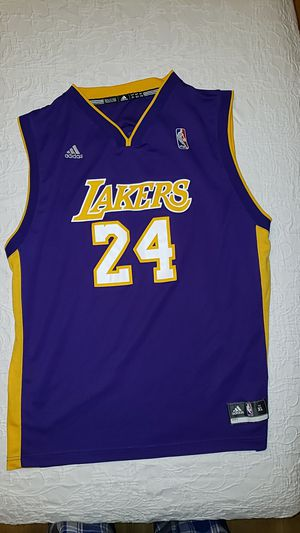 24 Kobe Bryant Lakers Jersey. Size XL for Sale in March Air Reserve Base, CA