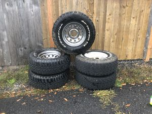"31"" tires 15x7 wheels for Sale in Clackamas, OR"