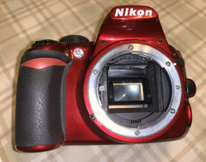 Nikon Red D3100 14.2MP w/ Battery Grip for Sale in Buena Park, CA