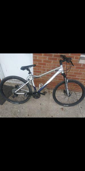 Giant Yukon mountain bike for Sale in Pontoon Beach, IL