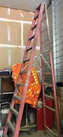 Older Louisville Fiberglass 12' Step Ladder for Sale in Henderson, NV