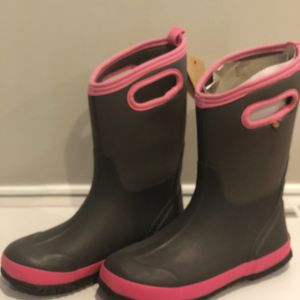 Bogs Girls Boots size 6 New for Sale in Bethesda, MD