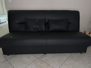 Sofa cama de piel for Sale in Hialeah, FL