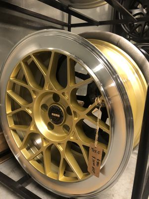 BRAND NEW Gold 19 inch MoMo Rims for only $900 !!! for Sale in Lakewood, WA